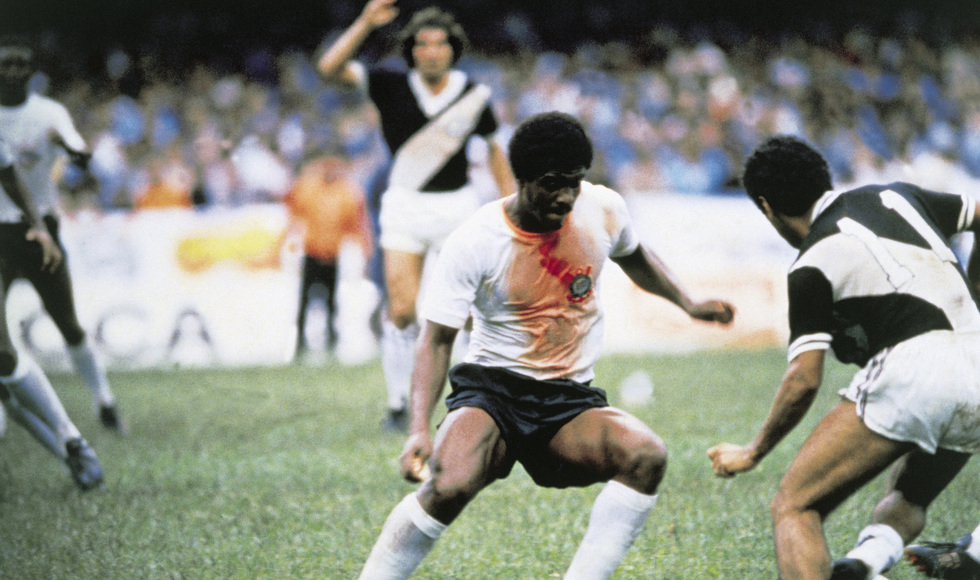 Foto: Reprodução internet - Zé Maria com a camisa coberta de sangue em Corinthians x Ponte Preta