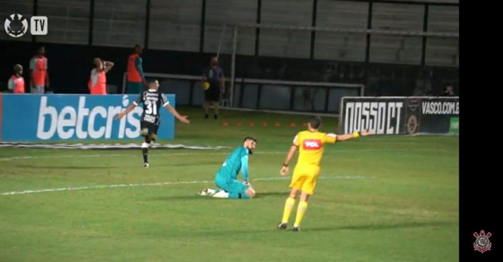 Mantuan comemora seu primeiro gol como profissional e o primeiro do Corinthians contra o Vasco, na vitória por 2x1. Foto: Reprodução Vídeo Corinthians TV