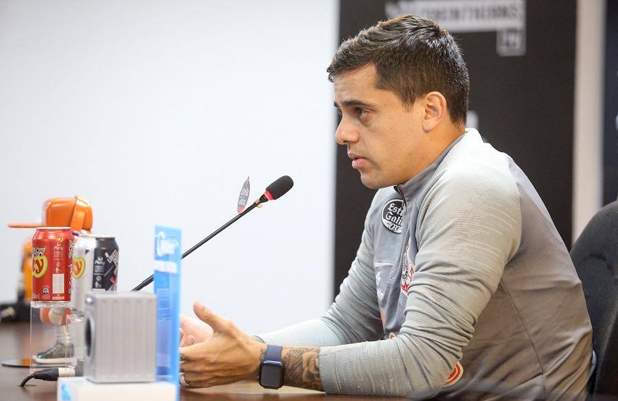 Fagner concedeu coletiva no CT Joaquim Grava nesta sexta (16). Foto: Rodrigo Coca/Ag. Corinthians