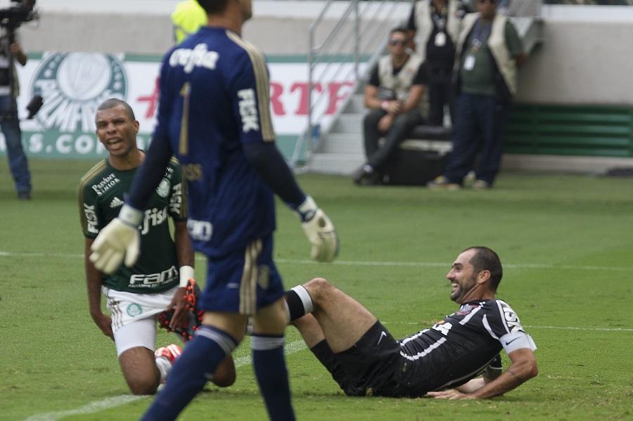 Danilo marca na vitória do Corinthians por 1x0 sobre o Palmeiras em 08/02/2015. Foto: © Daniel Augusto Jr/Ag. Corinthians |