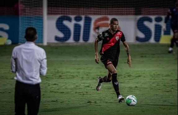 O zagueiro João Victor, emprestado ao Atlético-GO. Foto: Heber Gomes/Atlético Goianiense