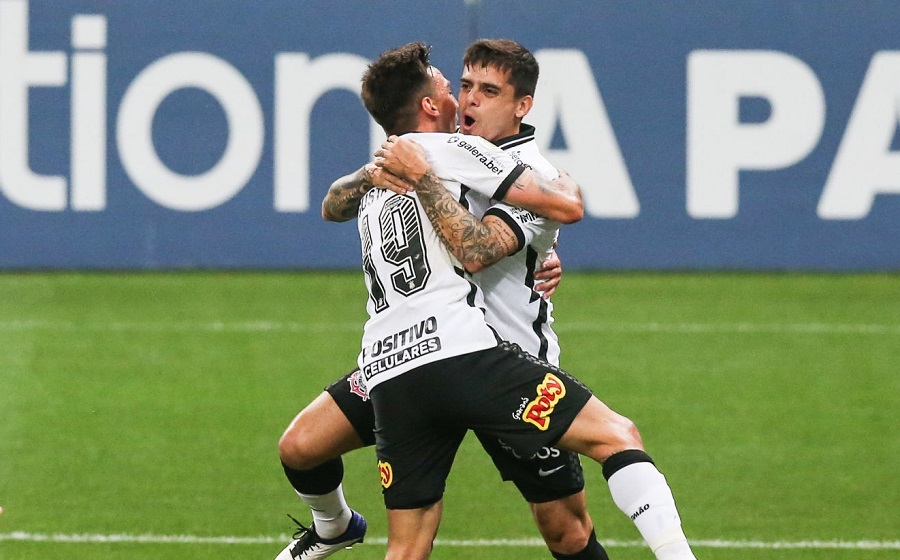 Gustavo Mosquito and Fagner of Corinthians celebrate their team's first goal of their team during the match against Botafogo as part of the Brasileirao Series A at Arena Corinthians on September 05, 2020 in Sao Paulo, Brazil. (Photo by Alexandre Schneider/Getty Images)