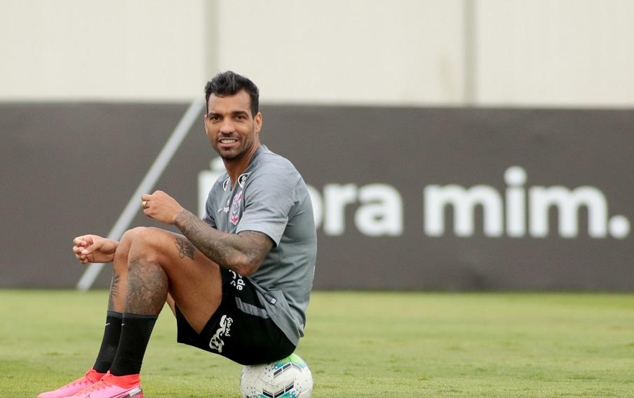 O lateral Michel Macedo vai jogar o Brasileirão pelo Juventude. Foto RodrigoCoca Agência Corinthians