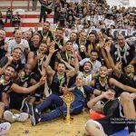 Elenco do Corinthians Basquete comemora conquista da Liga Ouro 2018 e a volta à elite do basquete nacional após 22 anos. Foto: Beto Miller